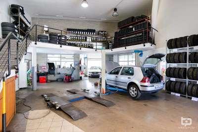 Autószerelés · Teljes Körű Autószerviz · Autófényezés és Autókárpit · Teljes Körű Kárügyintézés · Ózonos Autóklíma Tisztítás