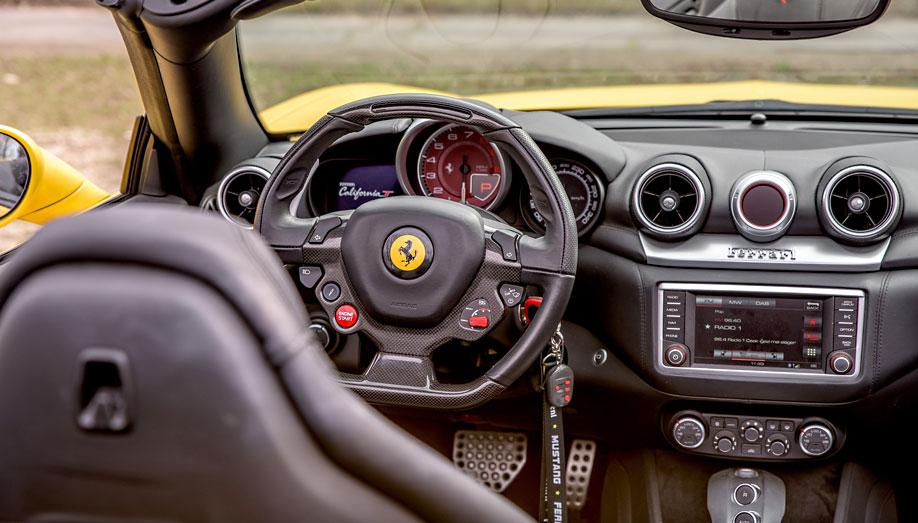 Ön is kipróbálna egy Ferrarit? Szervizeltesse autóját otthonról, kényelmesen!