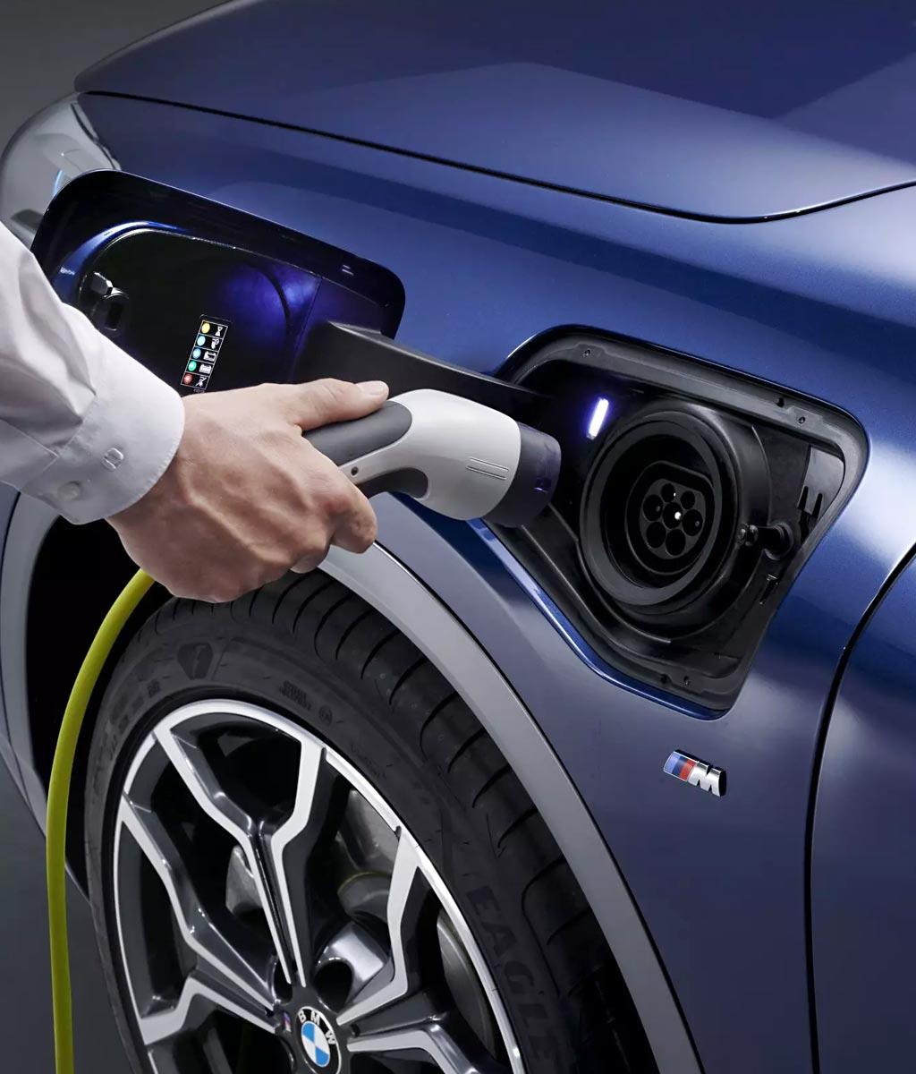 Elektromos és hibrid (plug-in hibrid) autók szakszervize