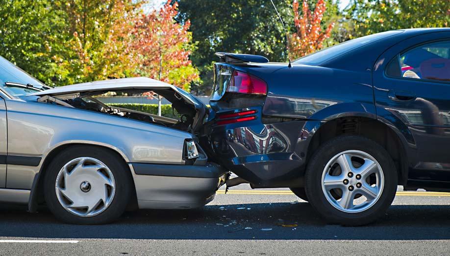 Az autó kárbejelentés és kárrendezés menete